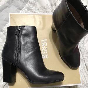 👢 Michael Kors boot - 8.5 - NEW ⭐️